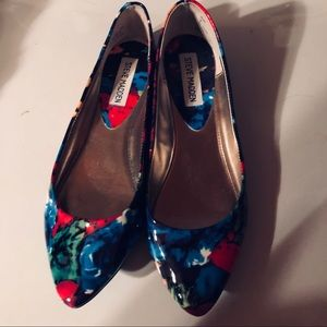 Steve Madden Shoes flats very colorful size 7